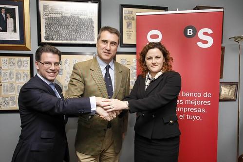 Banco Herrero firma un acuerdo de colaboración con el Colegio San Fernando de Avilés