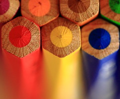 Crayons (MEK40 (Fotodesign M. Heimann)) Tags: wood old blue red orange brown color detail macro green rot nature colors yellow canon germany deutschland photography eos photo foto purple bokeh alt details hamburg natur lila gelb crayons 500 grn braun february blau makro holz farbe februar farben 500d buntstifte 2011 eos500 sigma105mm flickraward eos500d