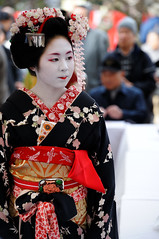 (Tamayura) Tags: japan nikon kyoto maiko geiko teaceremony feb kansai d3 kitanotenmangu baikasai 2011 kamishichiken plumblossomfestival 70200mmf28gvrii 201102251415500
