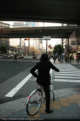 Osaka 大阪 - Midosuji Avenue 御堂筋