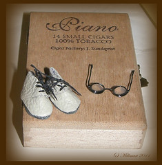 Kengät ja silmälasit