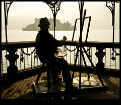 The Painter (edwindejongh) Tags: italy sculpture schilder silhouette composition island licht italian view painter uitzicht italie silhouet eiland mahler orta ortasangiulio lichting superaplus aplusphoto peinteur scupltuur