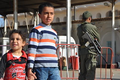 Children crossing Libya border