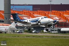 N149KA - FL-149 - Private - Raytheon King Air 300 - Luton - 100525 - Steven Gray - IMG_2634
