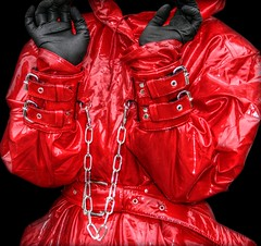 Shiny red (klepptomanie) Tags: mac bondage bdsm gloves latex hood raincoat handcuffs rainwear latexgloves impermeables