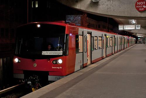 DT3F am U-Bahnhof Eberhardshof
