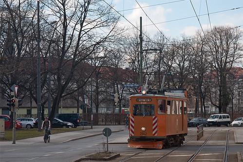 Altwagen am St.-Martins-Platz: Wagen 2942 gönnt sich in der Schleife eine kurze Pause