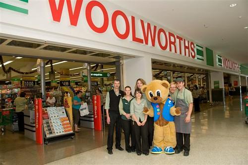 Woolworths staff10-12-08 173