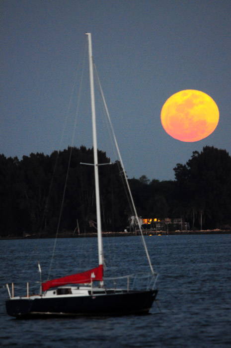 web_supermoon_boat_0013