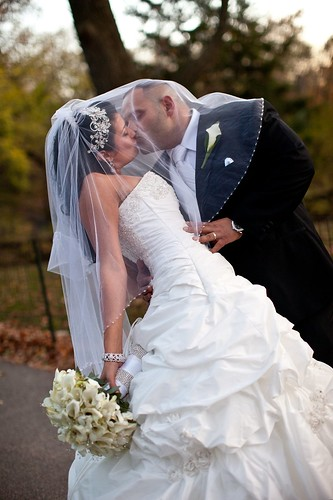 Bridal Styles real bride Anna & Pietro, image by Studio D NYC