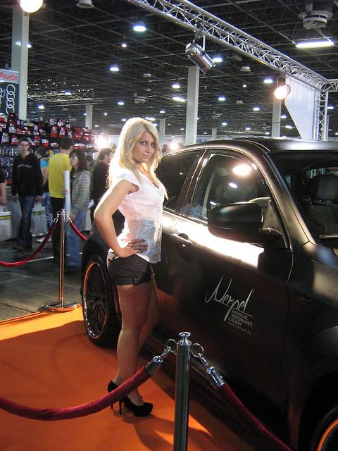 show girl bmw tuning x6 2011