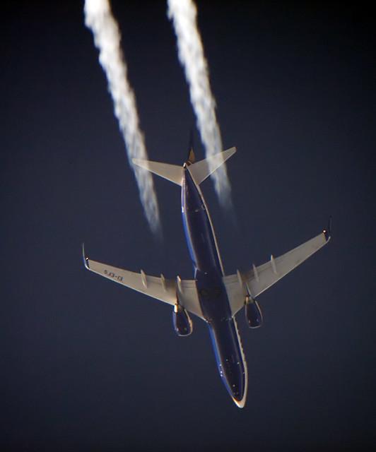 Ryanair Boeing B737-800 EI-EFS