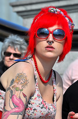 Pierced Mermaid (jaykay72) Tags: street london candid streetphotography trafalgarsquare londonist