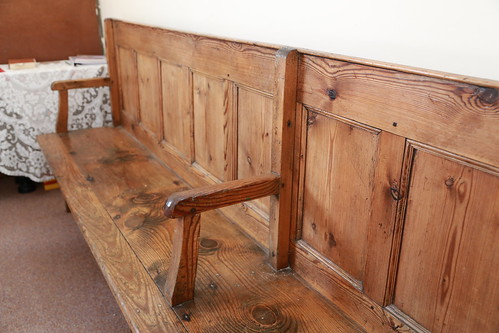 Pakefield stand bench