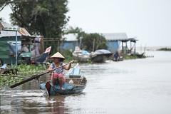 The Floating Villages (mandu yuri) Tags: cambodia siemreap floatingvillages waterhouse travel trip canon canon550d 550d 70200