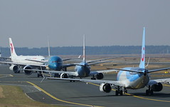 Stand-off (GSairpics) Tags: chinaeasternairlines vietnamairlines tuifly a330 b787 b737 aircraft aeroplane airplane aviation travel transport airport fra eddf frankfurtairport germany airline airliner jet jetliner standoff faceoff
