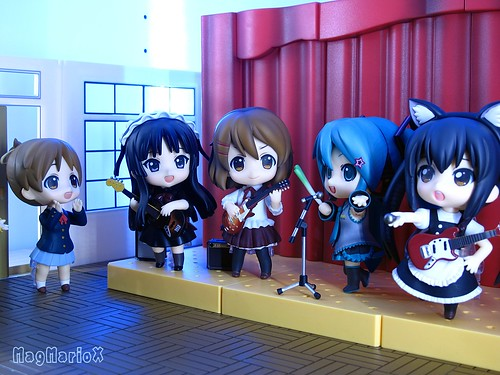 K-ON! vs Vocaloids by MagMarioX 健一小廚