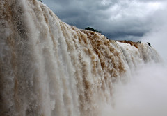 Parque Nacional do Iguau (ninabio) Tags: water gua cachoeira catarata foz fozdoiguau iguassufalls mataatlntica cataratasdoiguau parquenacionaldoiguau whbrasil