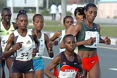 Keňanka Keitany vytvořila nový světový rekord v půlmaratonu