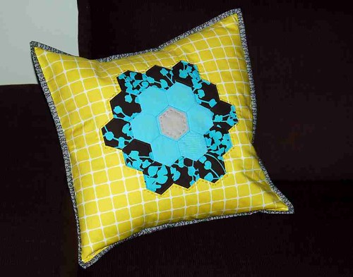 The Cirton Flower Pillow