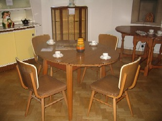 retro dining table & chairs