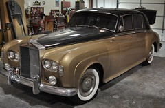 "1964 Rolls Royce Silver Cloud III • <a style=""font-size:0.8em;"" href=""http://www.flickr.com/photos/85572005@N00/5476930502/"" target=""_blank"">View on Flickr</a>"
