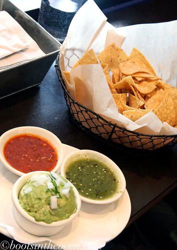 Salsas and guacamole and cheeps!