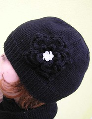 Hat with grand flower and fimo button