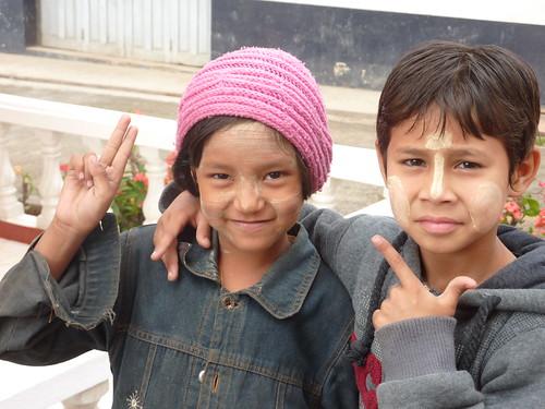 Kengtung-Temples-Enfants birmans (1)