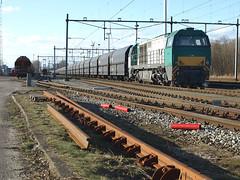 Captrain 2002 at Amsterdam Westhavens, March 6, 2011 (cklx) Tags: amsterdam dbs freighttrain dieselengine 6400 g2000 coaltrain rietlanden dieselloc goederentrein westhavens kolentrein dbschenker captrain