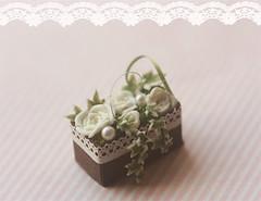 Dollhouse Miniature 1/12 Scale White Roses Flower Arrangement