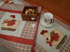 Trilho de mesa e toalha de fogo (Patch da Lu) Tags: toalhademesa trilhodemesa centrodemesatoalhafogo