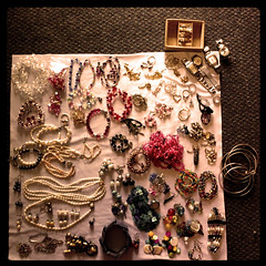 sorting out of jewelleries & accessories