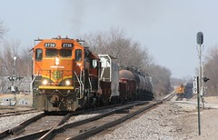 South Local Sunday (wras23) Tags: santa burlington missouri fe northern bnsf gp382 rogersville 2736