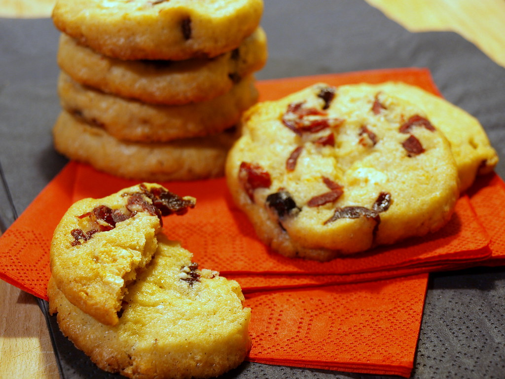 Red Berries and White Chocolate Crisp Cookies