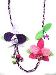 Orquídeas do meu Estado (Acessórios Artesanais:www.andrezapessini.com) Tags: colaresartesanais artesanatocapixaba capixabisse colarartesanal andrezaacessórios orquídeasdefeltro