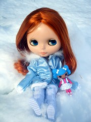 Blythe and mini Mittens