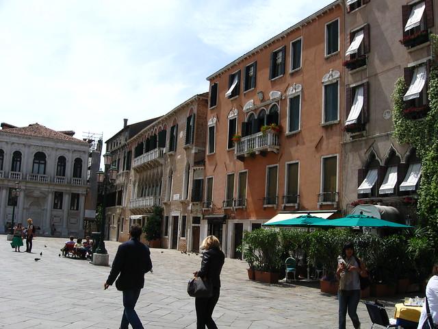 ヴェネツィアの広場のフリー写真素材