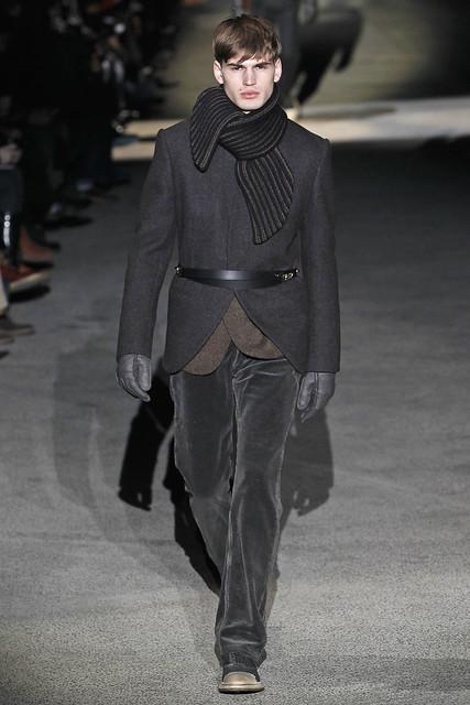 Felix Schopgens3078_FW11_Paris_Louis Vuitton(VOGUEcom)