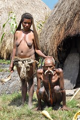 the yali old man & woman (konno67) Tags: yali old man woman face nose ornament penis sheath baliem valley papua indonesia straw skirt traditional costume              portrait travel trip people     naked