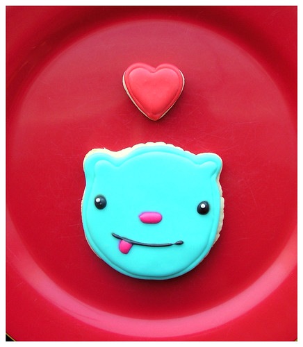 So Softies bear logo cookie