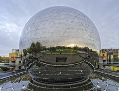 Going global / La Cit des sciences / Parc La Vilette / Paris (zzapback) Tags: park urban paris france museum photography globe rotterdam nikon fotografie wide sigma science symmetry musee enjoy frankrijk geode ultra 1224mm parijs vilette uwa citdessciences groothoek pontdeflandre d700 parclavilette zzapback robdevoogd