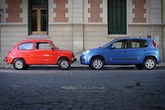 Fiat 600 vs. Nuevo Uno (martinlubel.com.ar) Tags: canon fiat uno 600 sanisidro tamron2875 430ex 285hv autotest 40d 540ez retrovisiones martinlubel rf602 hernancharalambopoulus