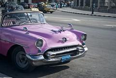 taxi (me dueles otoo ) Tags: street leica car 50mm cuba summicron coche habana habanavieja leicam8