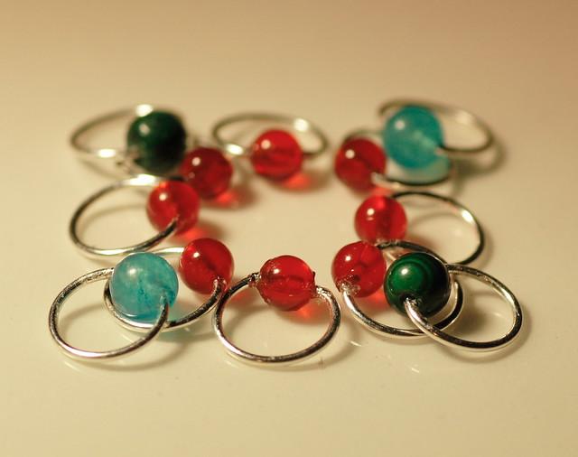 Nr. 23-11 - Agat+Malachite+Jade, tynn sølvfarget wire, rund form, 3,5 mm. 2+2+8     IMG_4566