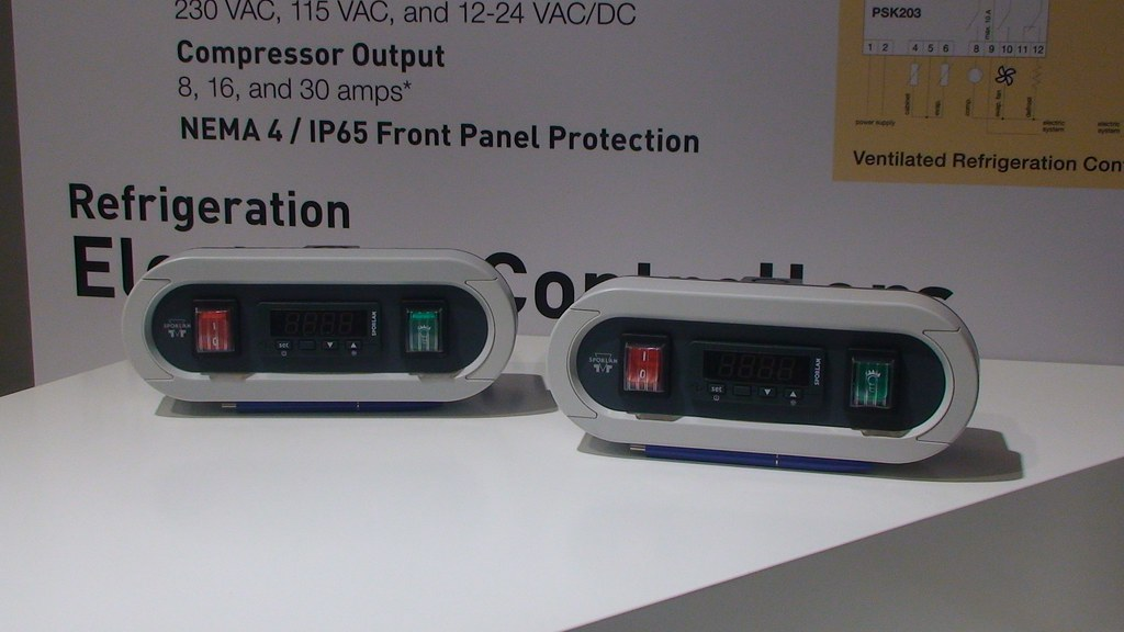 Parker electronic controllers for static and ventilated refrigeration units