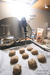 setup_whats cooking (ania_odense) Tags: cooking kitchen canon bread setup breadrolls speedlite barszcz borshch strobist bortsch yongnuo yn560