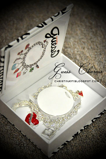 Charmed By GUESS: Bracelet