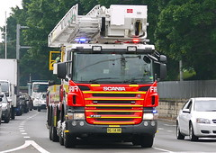 City of Sydney 001 Scania Bronto ladder truck (Highway Patrol Images) Tags: rescue highway omega ambulance falcon toyota commodore emergency incident patrol camry afp response yamaha1300 nswfirebrigades nswpoliceforce ambulanceservicensw nswpolicefireambulance australianfederal xr6tssholdenfordscaniavarley