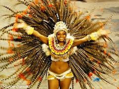 Quitria Chagas (FM Carvalho) Tags: carnival brazil rio brasil riodejaneiro de samba do janeiro sony cybershot vila carnaval isabel escola sonycybershot carioca brsil passarela sambdromo marqus escoladesamba sapuca marqusdesapuca apoteose vilaisabel sambaschool passareladosamba carnavaldoriodejaneiro riocarnival carnavalcarioca unidosdevilaisabel carnavaldorio quitriachagas hx5v sonyhx5v